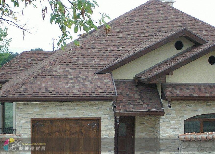 施工流程为:安装木屋架及檩条铺设屋面板(标准规格的结构