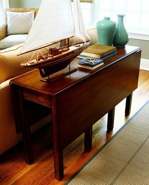②盘丝果盘:现代风格的家具往往