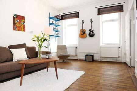客厅装修效果图-看青岛打工仔省钱装修设计自己82平爱家高清图片