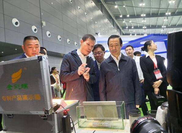 """省长许达哲视察金彩螺专利产品,湖南卫视称其为""""黑科技""""材料!"""