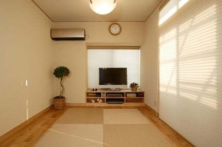 70平米的漂亮婚房装修 实木色系打造甜蜜生活