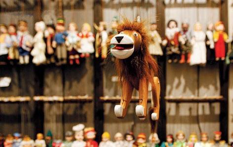 木偶,玩具在圣诞市场也大受欢迎,成为孩子们关注的焦点