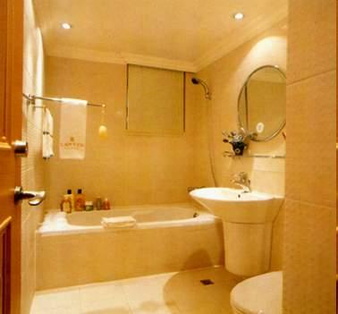提高浴室温度    加装暖气,暖风机,或者 浴霸 ,在入浴前,开启这些